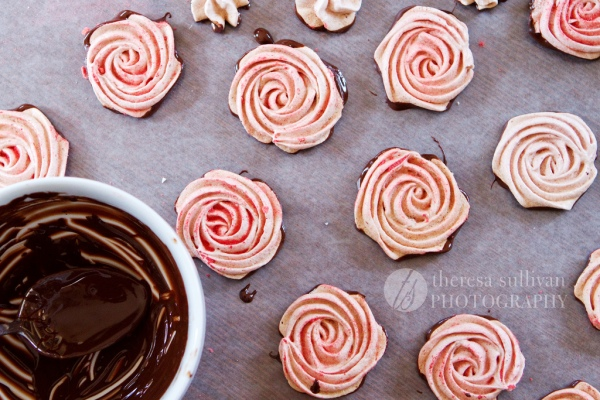 Chocolate-Dipped Strawberry Meringue Roses